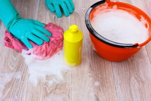 Remove yellow stains in linoleum flooring